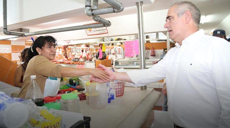 Visita Julen Rementería el mercado Hidalgo de Veracruz.