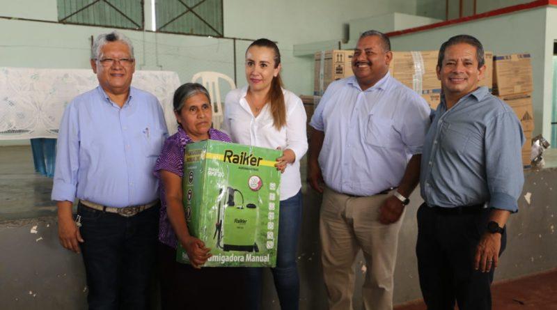 apoya-nora-lagunes-a-productores-de-las-altas-montanas-1