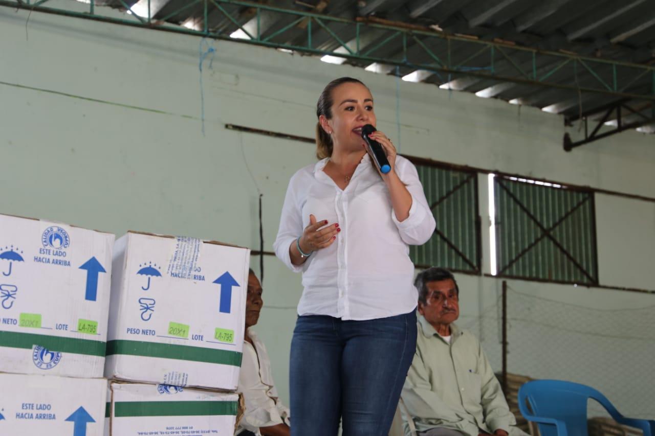 apoya-nora-lagunes-a-productores-de-las-altas-montanas-2