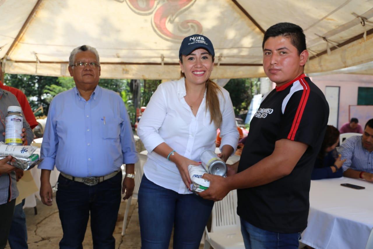 apoya-nora-lagunes-a-productores-de-las-altas-montanas-3