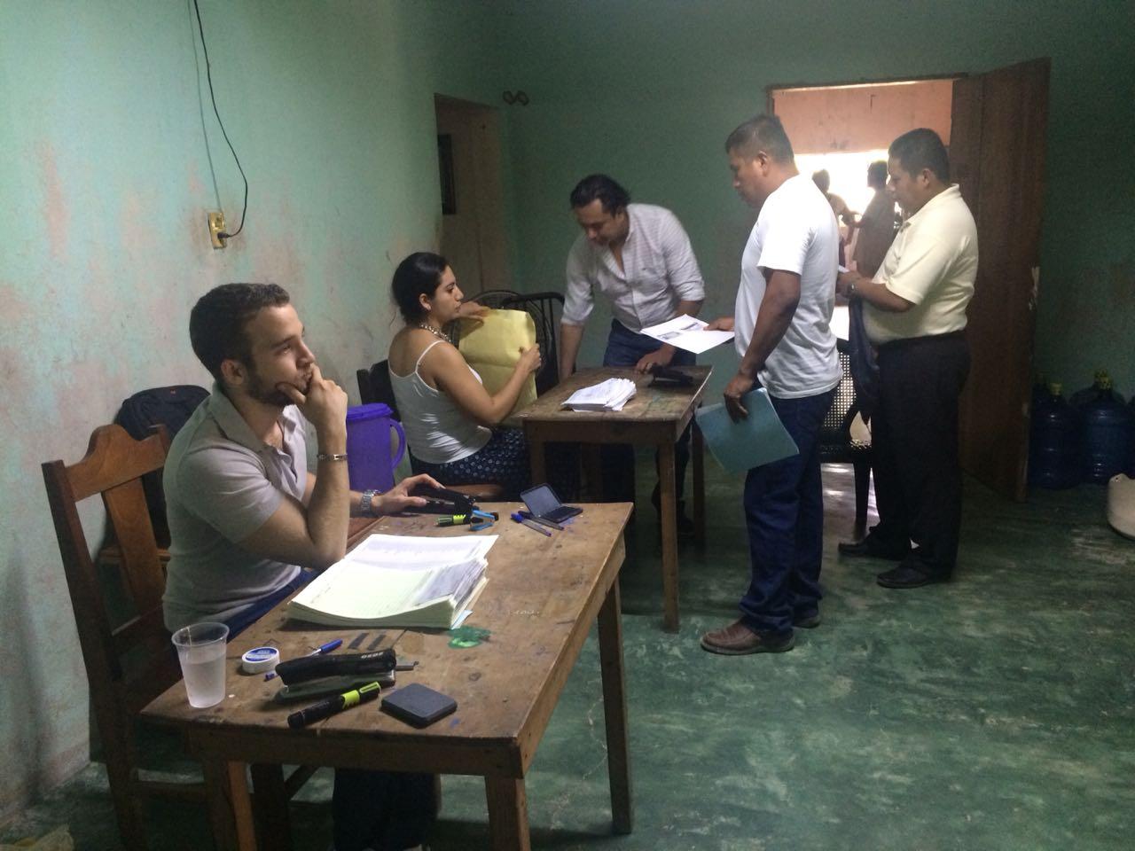 productores-de-maiz-reciben-pago-del-seguro-agricola-3