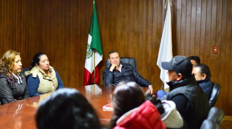 Entrega de apoyo con transporte al equipo Halconas del Cofre de Perote