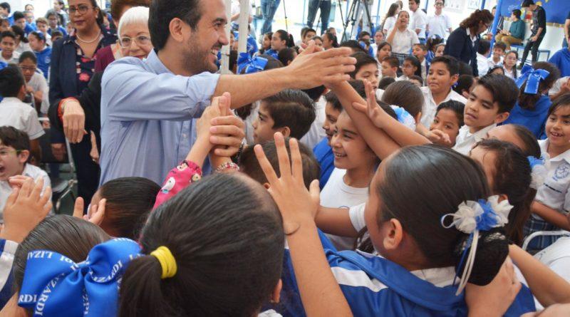 """""""Queremos que los niños de Veracruz sean quienes empiecen a regular a los papás"""": Fernando Yunes Márquez"""