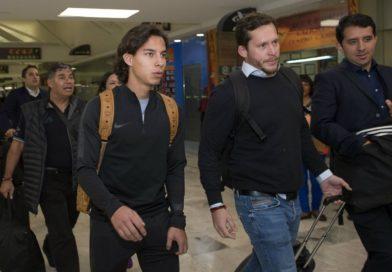 Como todo un 'rockstar', Diego Lainez es despedido de México con rumbo a Sevilla
