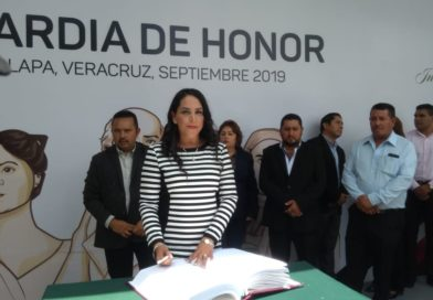 Alma Maravert Alba refrenda  valores cívicos y culturales  conmemorando los 209 años de la independencia de México