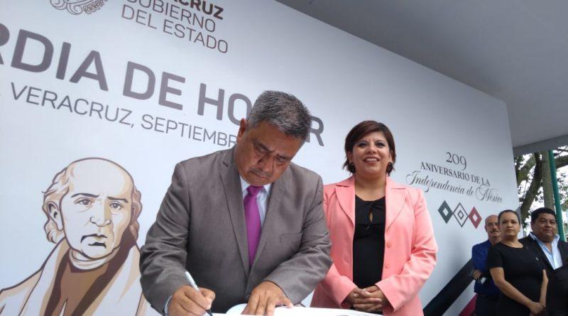 Administración 2018-2021 de Teocelo encabezada por Mario Antonio Chama, monta Guardia al padre de la Patria Miguel Hidalgo y Costilla